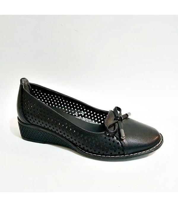 Femina Siyah Yazlık Fiyonklu Kauçuk Taban Günlük Siyah Anne Ayakkabısı